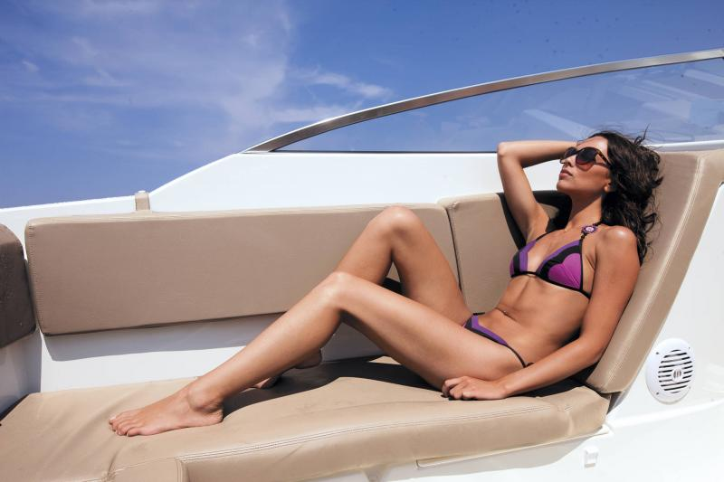 Cap Camarat 7.5 DC │ Cap Camarat Day Cruiser de 7m │ Bateaux Hors Bord Jeanneau 3-Lifestyle 12954