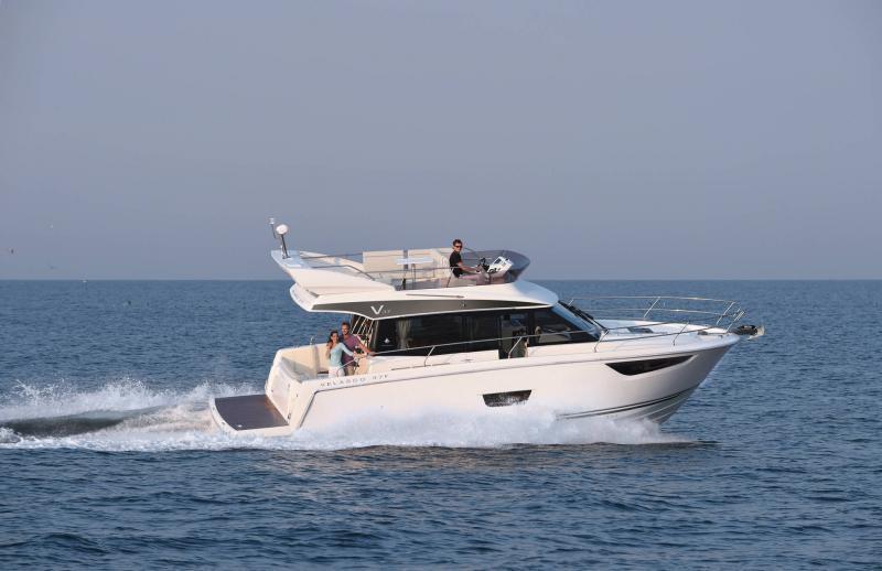 NC 38 Fly │ NC of 11m │ Boat Intra-borda Jeanneau  15065
