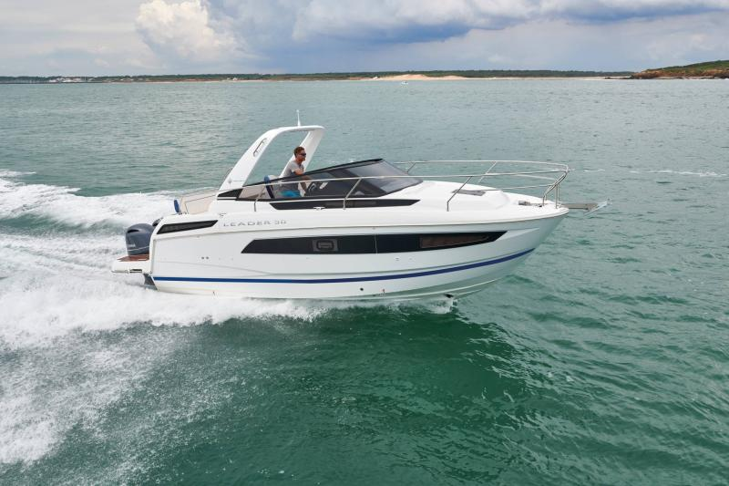 Leader 30 OB │ Leader of 9m │ Boat Outboard Jeanneau  15289