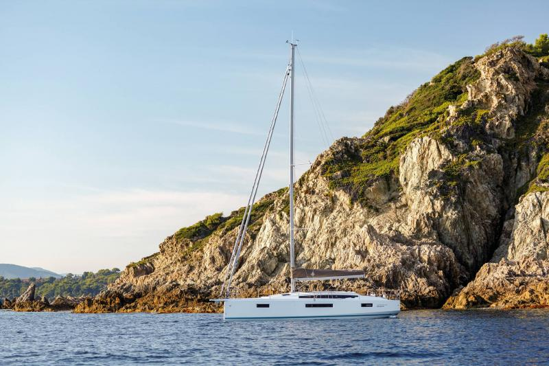 Sun Odyssey 410 │ Sun Odyssey Walk-Around of 12m │ Boat Sailboat Jeanneau 2-Anchoring 14033