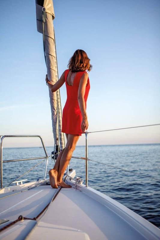 Sun Odyssey 410 │ Sun Odyssey Walk-Around of 12m │ Boat Sailboat Jeanneau 3-Lifestyle 14034