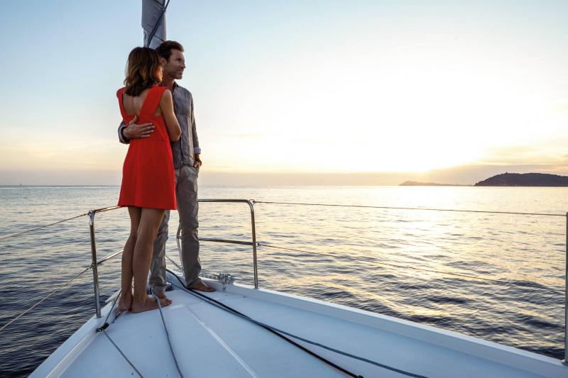 Sun Odyssey 410 │ Sun Odyssey Walk-Around of 12m │ Boat Sailboat Jeanneau 3-Lifestyle 14036