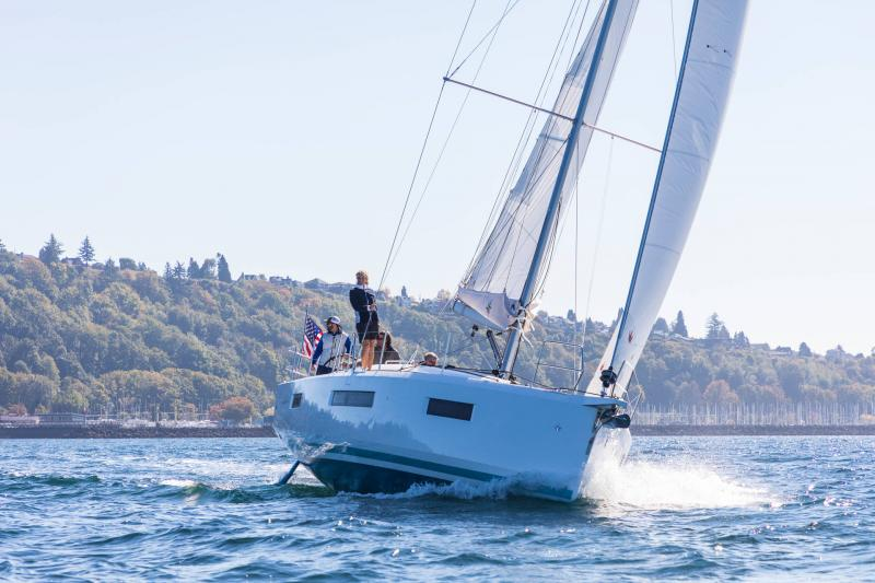 Sun Odyssey 440 │ Sun Odyssey Walk-Around of 13m │ Boat Sailboat Jeanneau 1-Navigation 15211