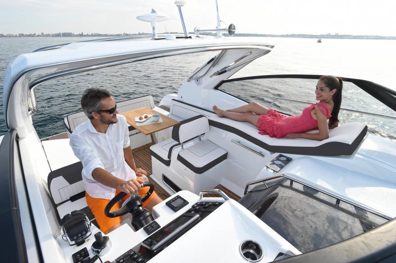 Leader 36 │ Leader of 12m │ Boat Inbord Jeanneau  14308