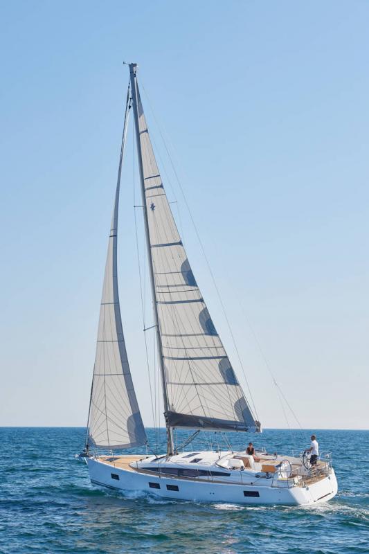 Jeanneau 51 │ Jeanneau Yachts of 15m │ Boat Sailboat Jeanneau  17424