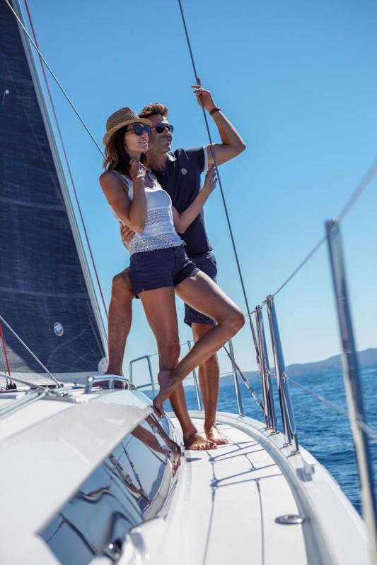 Sun Odyssey 410 │ Sun Odyssey Walk-Around of 12m │ Boat Sailboat Jeanneau 3-Lifestyle 14049