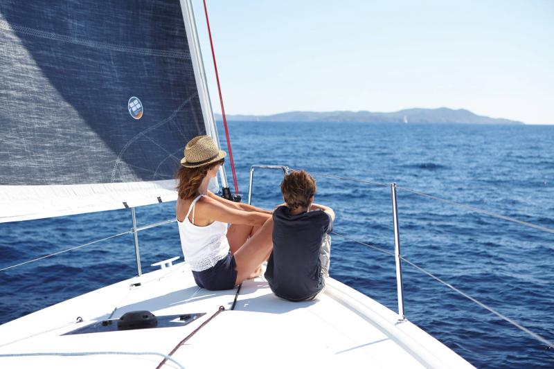 Sun Odyssey 410 │ Sun Odyssey Walk-Around of 12m │ Boat Sailboat Jeanneau 3-Lifestyle 14050