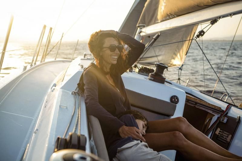 Sun Odyssey 410 │ Sun Odyssey Walk-Around of 12m │ Boat Sailboat Jeanneau 3-Lifestyle 14058