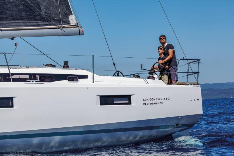 Sun Odyssey 410 │ Sun Odyssey Walk-Around of 12m │ Boat Sailboat Jeanneau 1-Navigation 14029
