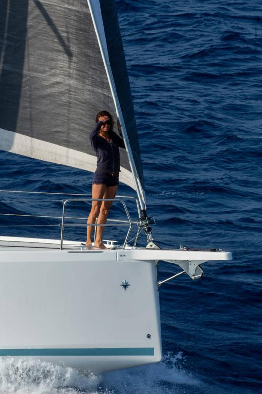Sun Odyssey 410 │ Sun Odyssey Walk-Around of 12m │ Boat Sailboat Jeanneau 1-Navigation 14156