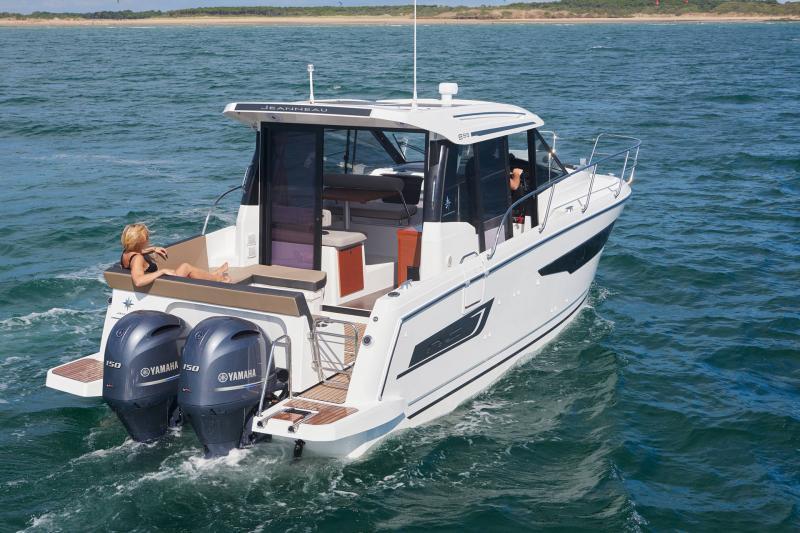 NC 895 │ NC Weekender of 9m │ Boat powerboat Jeanneau  18956