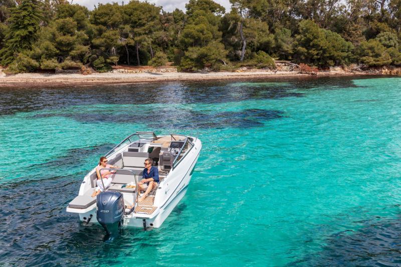 Cap Camarat 7.5 DC série 2 │ Cap Camarat Day Cruiser of 7m │ Boat Außenbord Jeanneau  15973