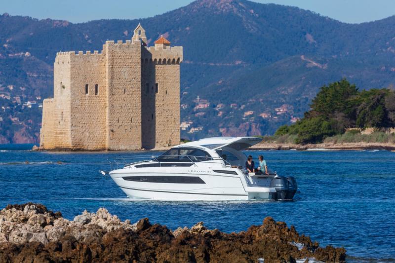 Leader 33 │ Leader de 11m │ Bateaux In Bord Jeanneau Version Hors-Bord 16859