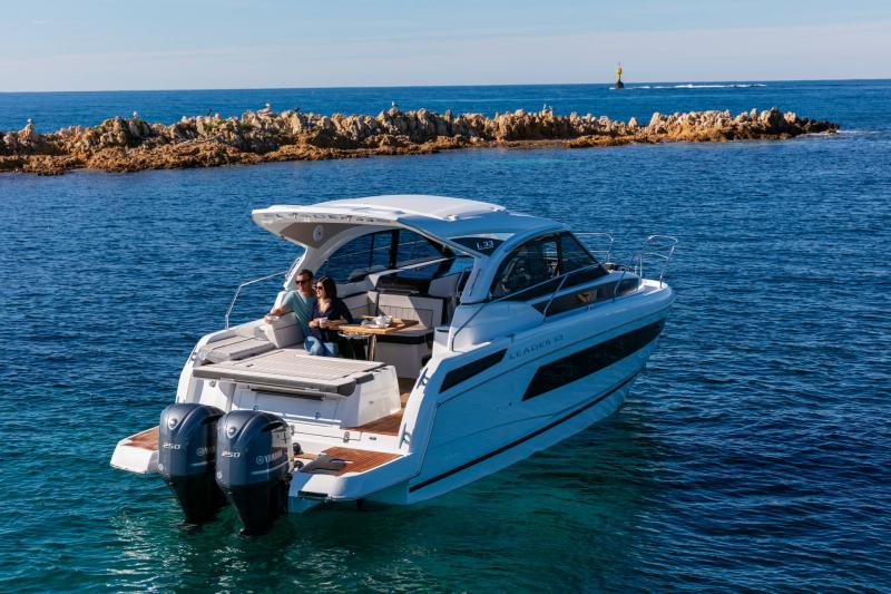 Leader 33 │ Leader of 11m │ Boat Intra-borda Jeanneau Outboard version 16846