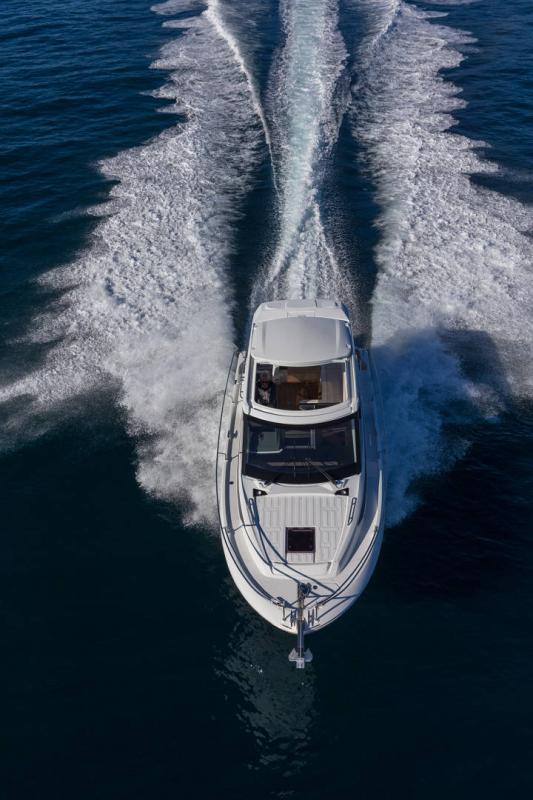 Leader 33 │ Leader de 11m │ Bateaux In Bord Jeanneau Version Hors-Bord 16716