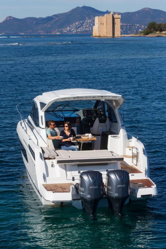 Leader 33 │ Leader de 11m │ Bateaux In Bord Jeanneau Version Hors-Bord 16856