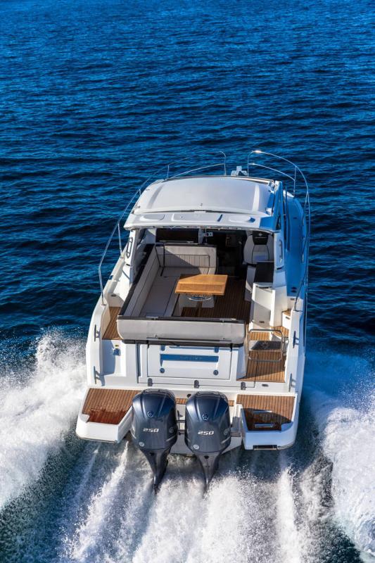 Leader 33 │ Leader de 11m │ Bateaux In Bord Jeanneau Version Hors-Bord 16704
