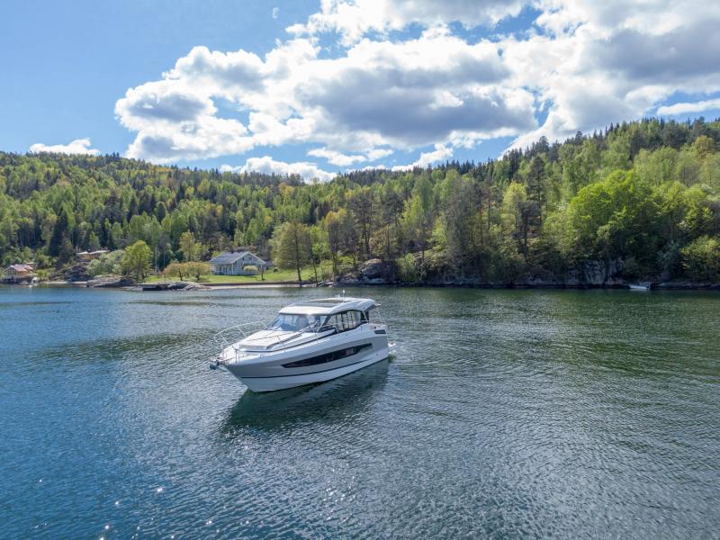 NC 37 │ NC of 11m │ Boat Inboard Jeanneau  15830