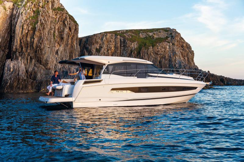 NC 37 │ NC of 11m │ Boat Inboard Jeanneau  16986