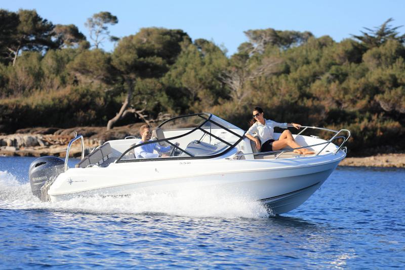 CAP CAMARAT 5.5 BR │ Cap Camarat Bow Rider of 5m │ Boat powerboat Jeanneau CAP CAMARAT 5.5 BR 4820