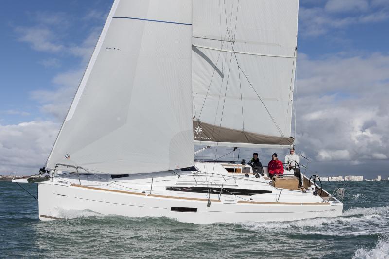Sun Odyssey 349 │ Sun Odyssey of 10m │ Boat Sailboat Jeanneau boat Sun-Odyssey-349 840