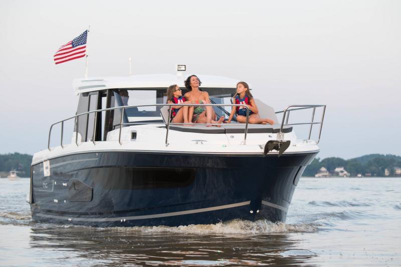 NC 1095 │ NC Weekender of 10m │ Boat powerboat Jeanneau  18854
