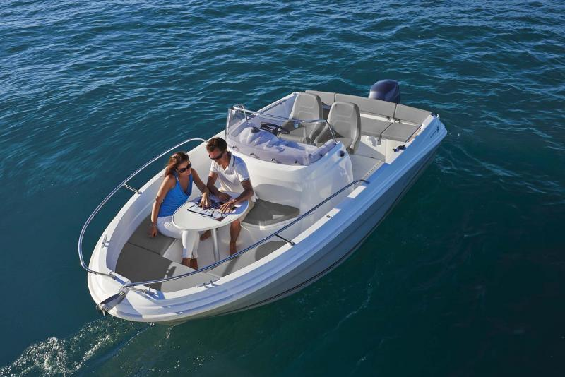 Cap Camarat 5.5 CC │ Cap Camarat Center Console of 5m │ Boat powerboat Jeanneau  10966