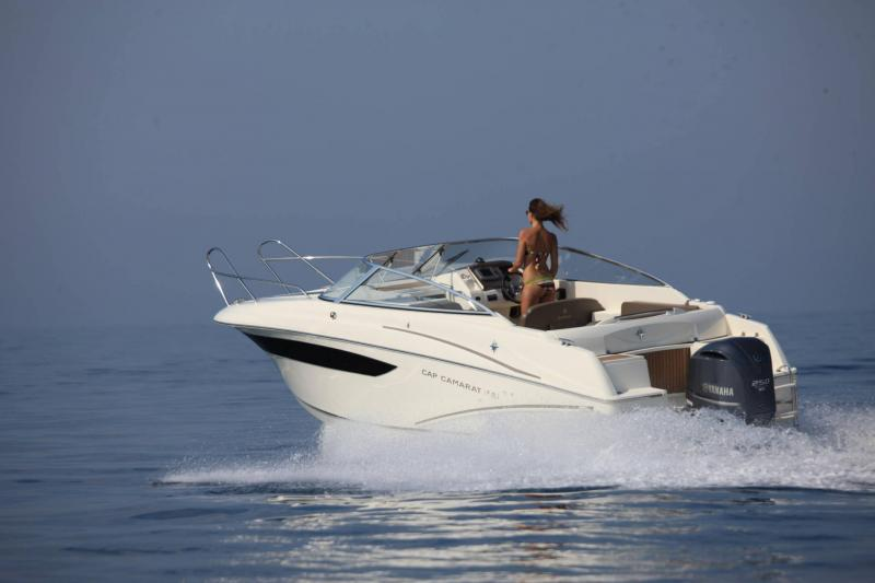 Cap Camarat 7.5 DC │ Cap Camarat Day Cruiser of 7m │ Boat powerboat Jeanneau  17227