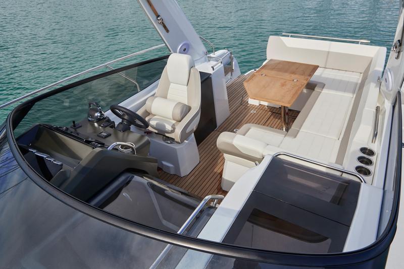 Leader 30 OB │ Leader of 9m │ Boat powerboat Jeanneau  12921