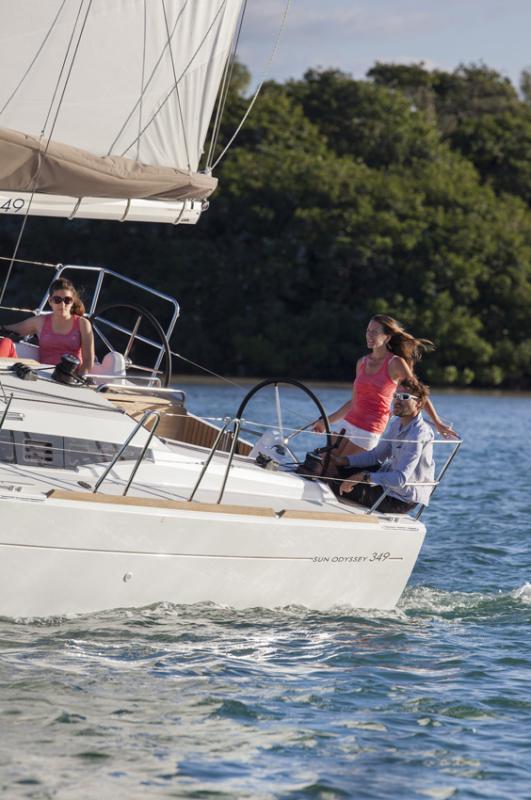 Sun Odyssey 349 │ Sun Odyssey of 10m │ Boat Sailboat Jeanneau boat photos 935