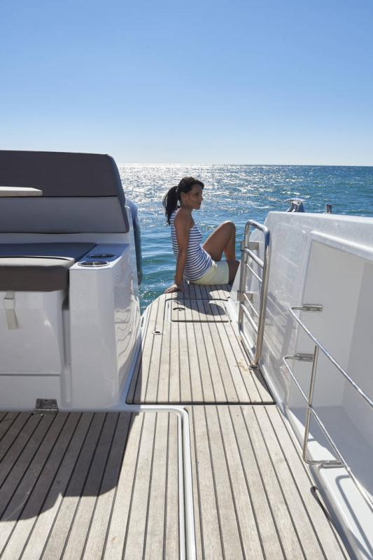 Cap Camarat 10.5 WA │ Cap Camarat Walk Around of 11m │ Boat Outboard Jeanneau  17147