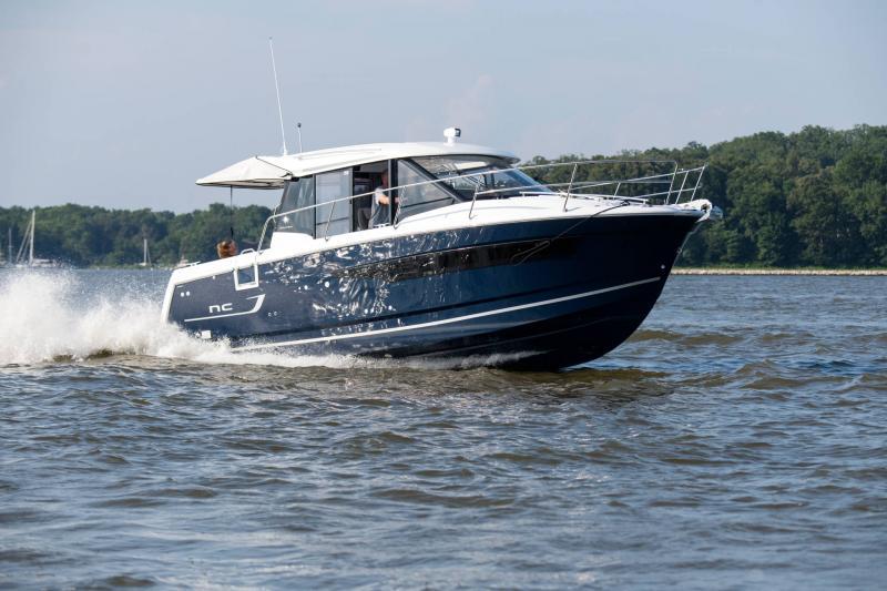 NC 895 │ NC Weekender of 9m │ Boat powerboat Jeanneau  18953