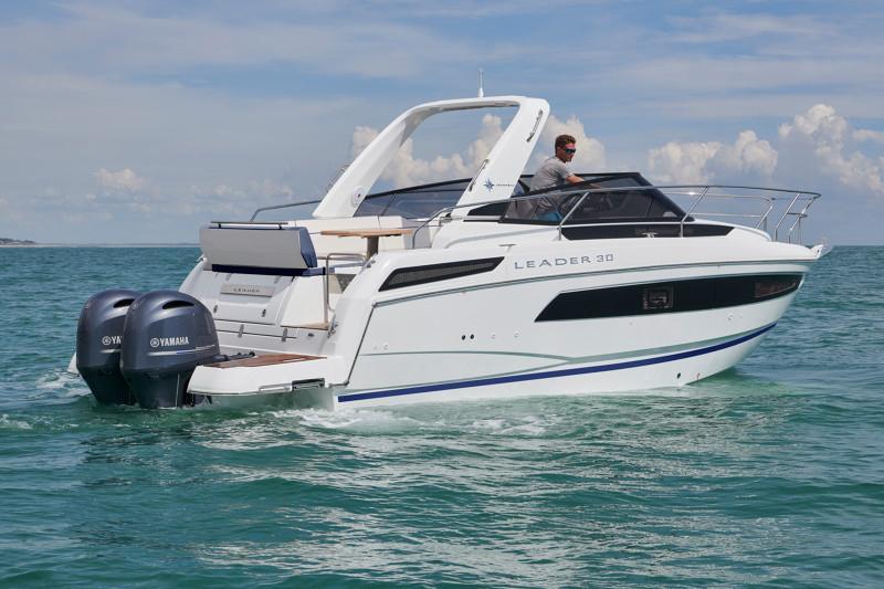 Leader 30 OB │ Leader of 9m │ Boat Inboard Jeanneau  12908
