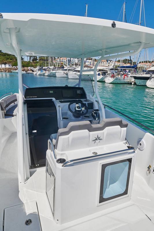 Leader 7.5 CC Series 3 │ Leader CC of 7m │ Boat powerboat Jeanneau  23087