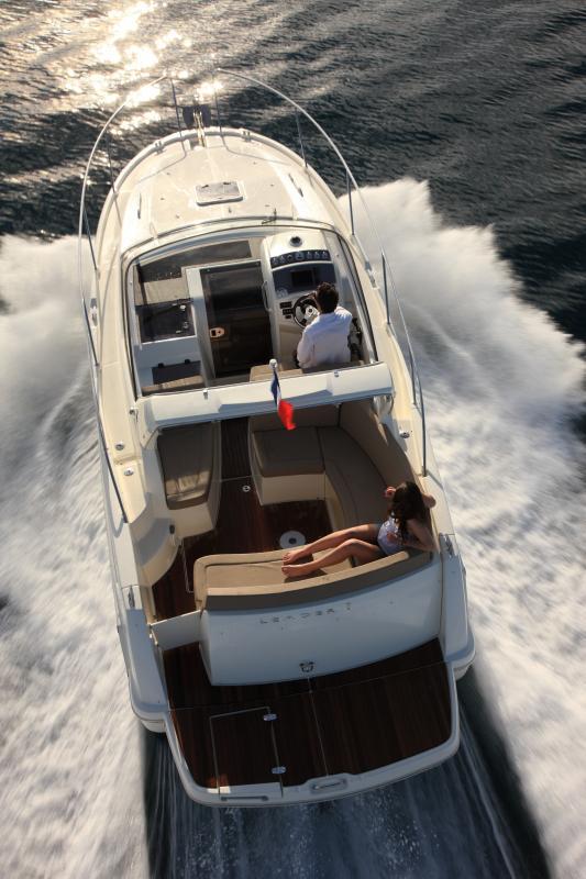 Leader 8 │ Leader of 9m │ Boat powerboat Jeanneau boat Leader-Leader8 68