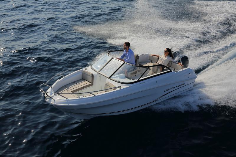 CAP CAMARAT 5.5 BR │ Cap Camarat Bow Rider of 5m │ Boat powerboat Jeanneau CAP CAMARAT 5.5 BR 4845