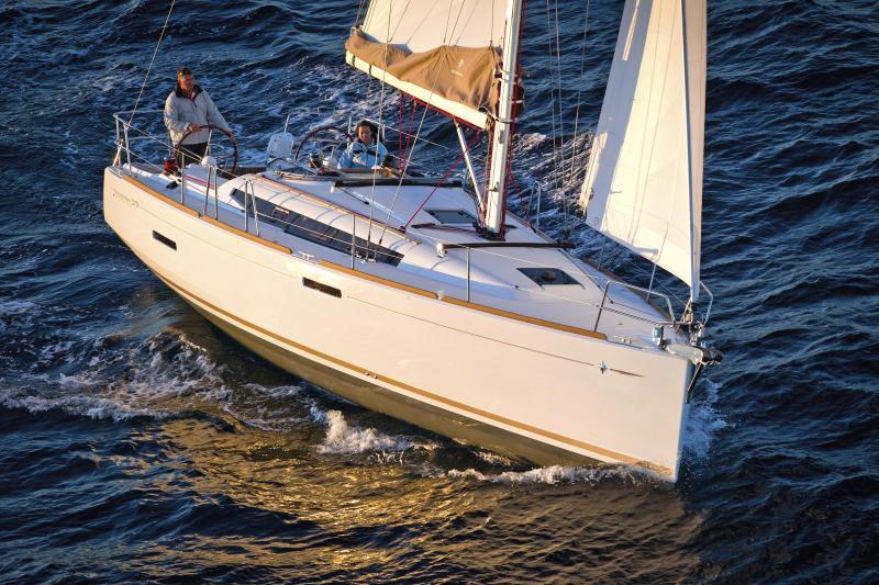 Sun Odyssey 379 │ Sun Odyssey of 11m │ Boat Sailboat Jeanneau  8344