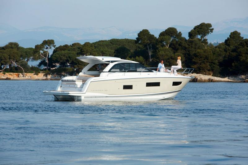 Leader 40 │ Leader of 12m │ Boat powerboat Jeanneau 2-Anchoring 18422