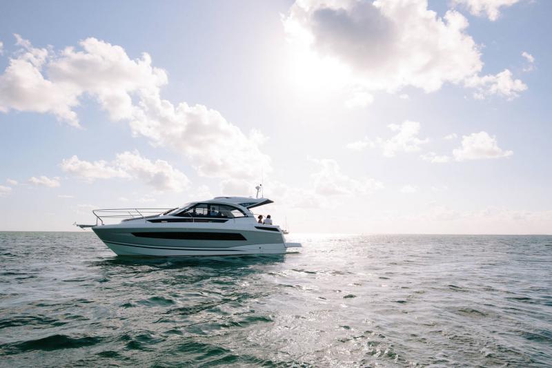 Leader 33 │ Leader of 11m │ Boat Inboard Jeanneau  18306