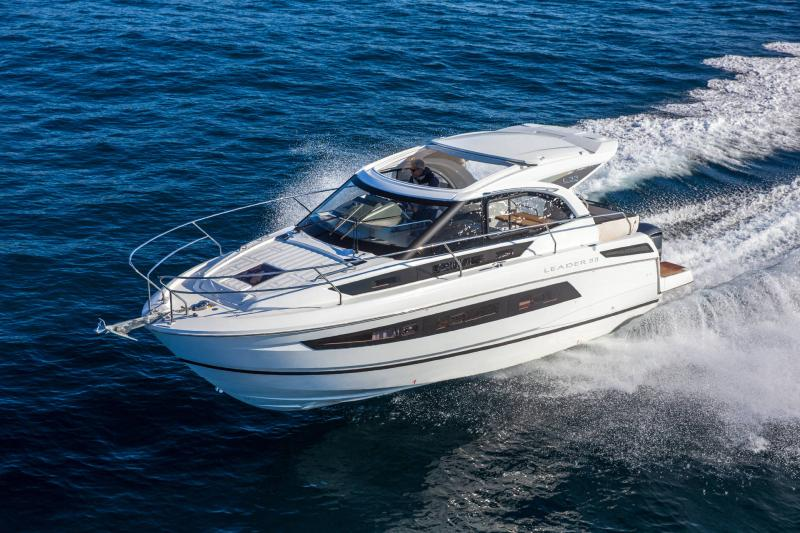 Leader 33 │ Leader of 11m │ Boat powerboat Jeanneau Outboard version 18276