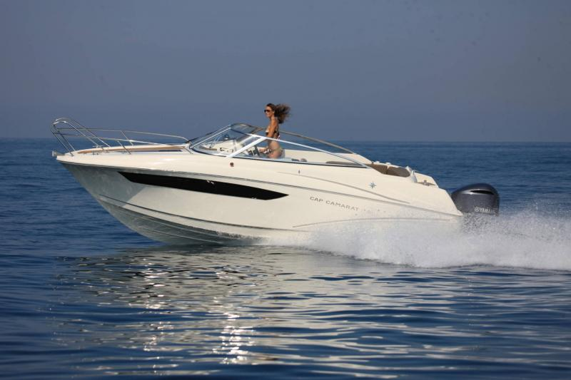 Cap Camarat 7.5 DC │ Cap Camarat Day Cruiser of 7m │ Boat powerboat Jeanneau  17225