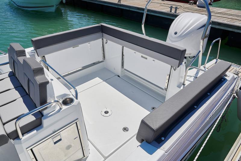 Leader 7.5 Series 3 │ Leader of 7m │ Boat powerboat Jeanneau  23124
