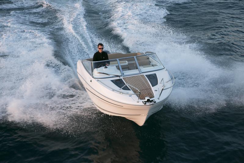 Cap Camarat 6.5 DC │ Cap Camarat Day Cruiser of 6m │ Boat powerboat Jeanneau boat Cap_Camarat_DC-6.5DC2 729