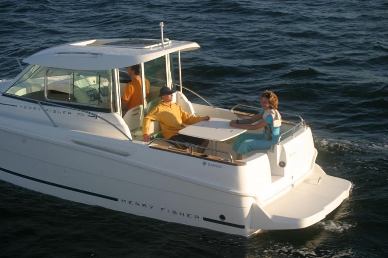Merry Fisher 705 │ Merry Fisher Inboard of 7m │ Boat Inboard Jeanneau  6612