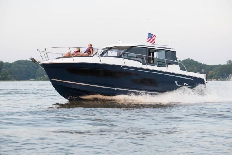 NC 1095 │ NC Weekender of 10m │ Boat powerboat Jeanneau  18858