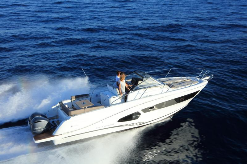 Cap Camarat 10.5 WA │ Cap Camarat Walk Around of 11m │ Boat Outboard Jeanneau  4297