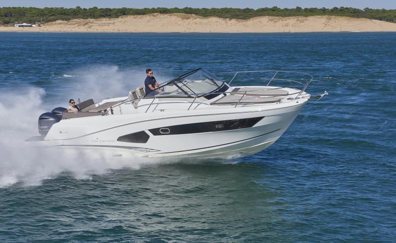 Cap Camarat 10.5 WA │ Cap Camarat Walk Around of 11m │ Boat Outboard Jeanneau  1694
