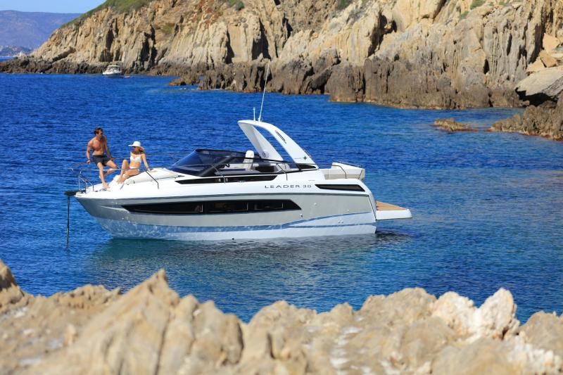 Leader 30 │ Leader of 9m │ Boat powerboat Jeanneau 3-Lifestyle 18219