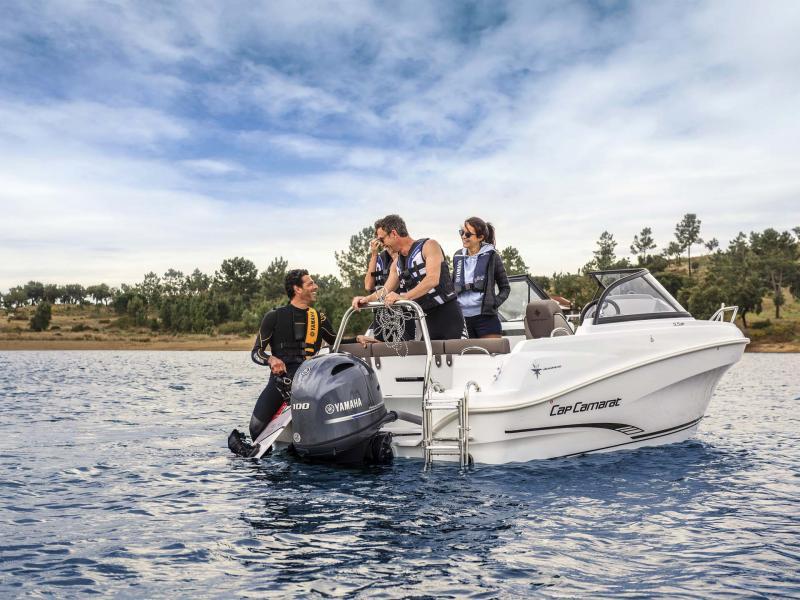 CAP CAMARAT 5.5 BR │ Cap Camarat Bow Rider of 5m │ Boat powerboat Jeanneau  10950
