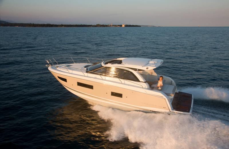 Leader 40 │ Leader of 12m │ Boat powerboat Jeanneau 1-Navigation 18425